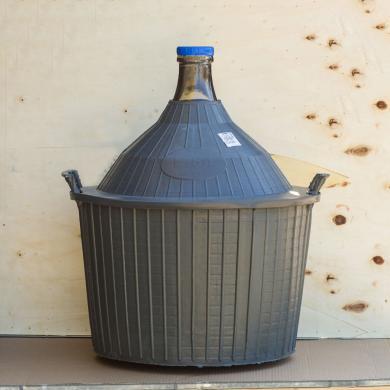 Бутыль для вина, в пластиковом защитном футляре, 54 литров
